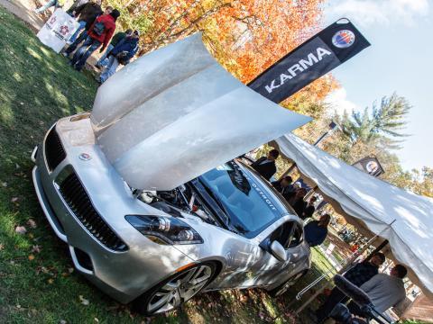노스우드 국제 모터 쇼에서 선보이는 최신 자동차와 기술