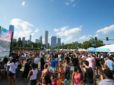 그랜트 공원에서 5일간 열리는 테이스트 오브 시카고에서 시카고 최고의 별미 즐기기