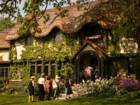 프랭크 로이드 라이트와 동시대 건축가들이 설계한 건축물을 둘러보는 투어